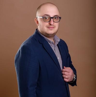 Адвокат Півторак Володимир