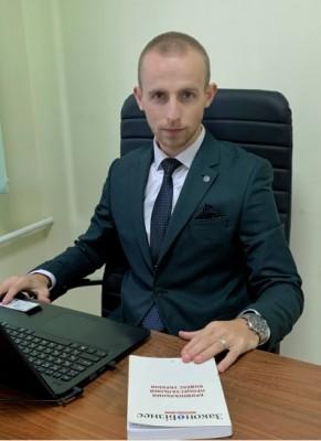 Адвокат Череватий Петро Миколайович